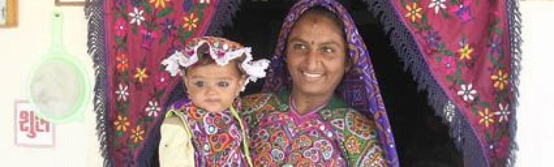 Gujarat: Asketen, Löwen und bunte Trachten