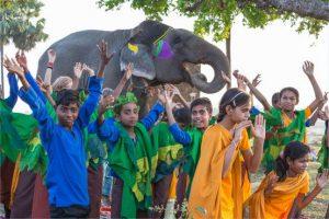 Projekt mit Kindern in Bodhgaya CreActing