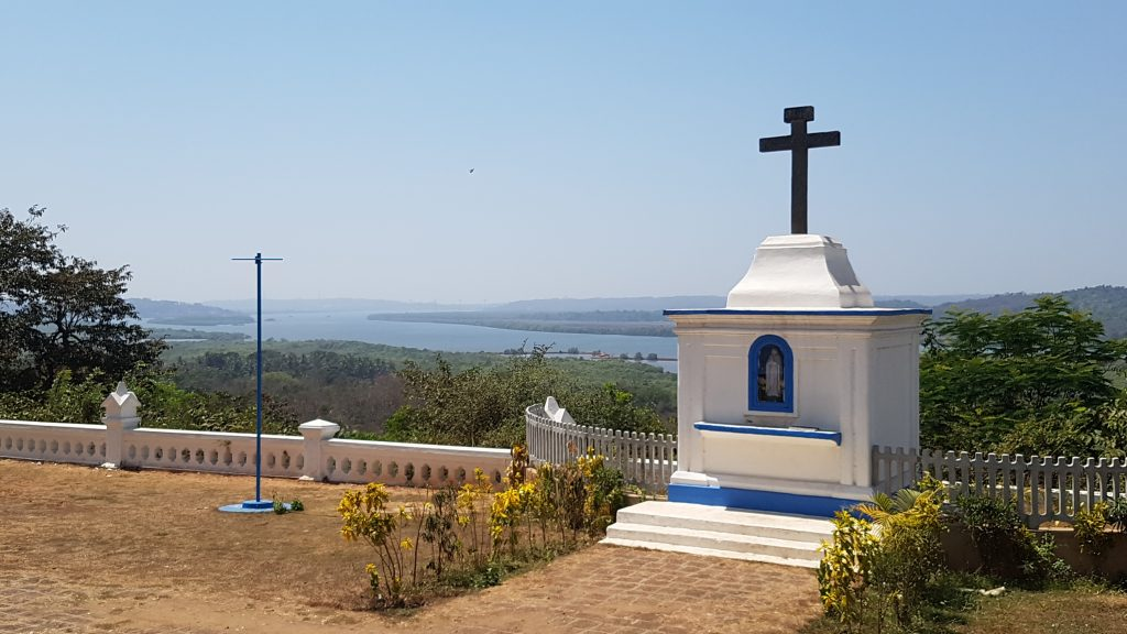 Mercure Goa Devaaya Retreat Blick von Kirche