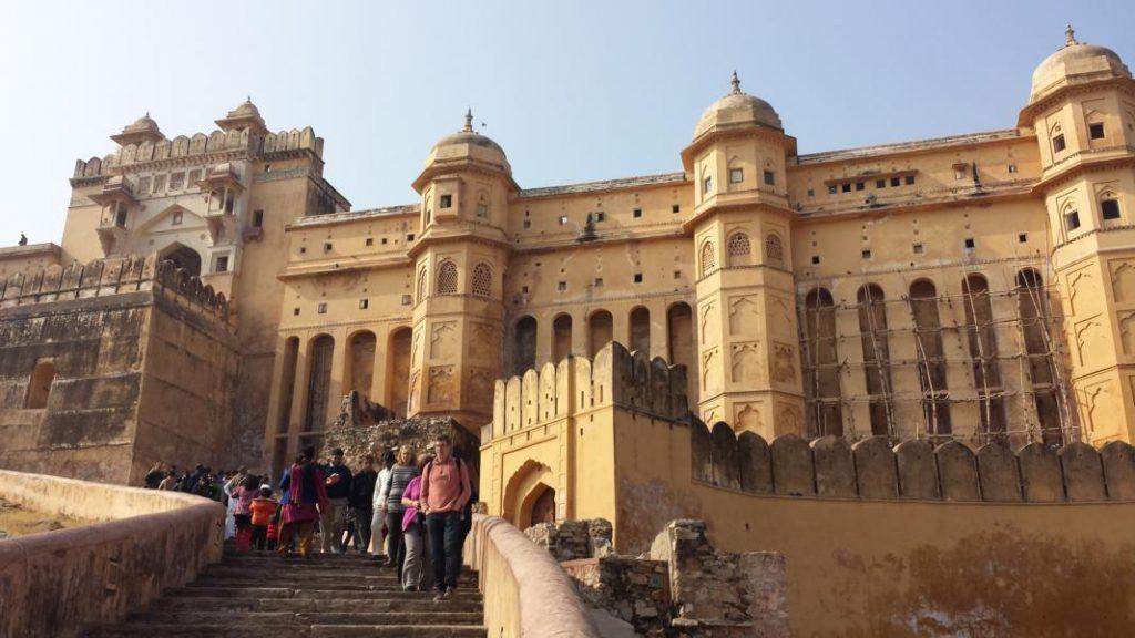 Highlights in Indiens Norden Fort Amber Hauptweg