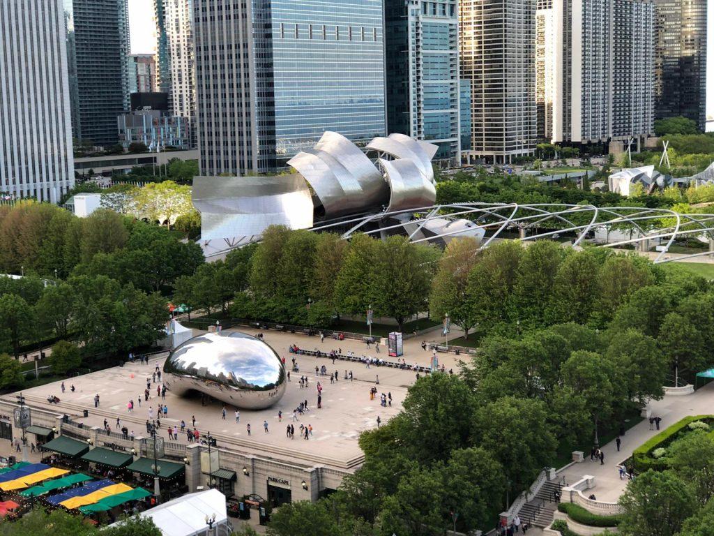 Chicago Millenium Park Anish Kapoor Bean and Pritzker Pavillion